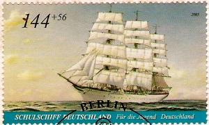 Estampilla que muestra al Schulschiff Deutschland en todo su esplendor.